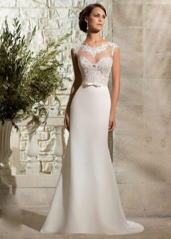 Платье белое свадебное простое