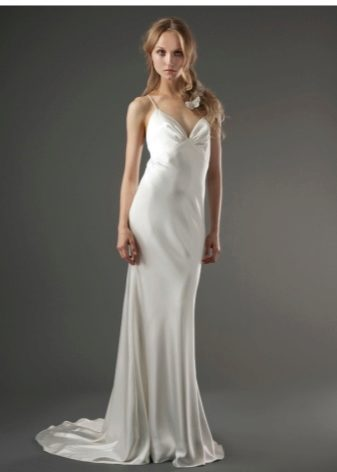 Белое шелковое платье длинное
