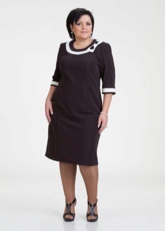 b86e81d8813 Свой выбор можно остановить на платье А-силуэта или платье с деликатной  драпировкой. Покупать платье нужно строго своего размера