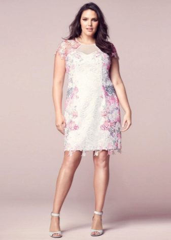 Гипюровые платья больших размеров (40 фото): платья их гипюра для полных