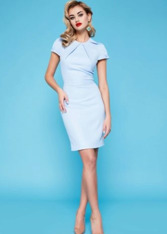 1412ae76ca1 Ведущие дизайнеры создают наряды различных фасонов и всевозможных оттенков.  Но всегда в моде остаются нежные и романтичные платья голубого цвета.