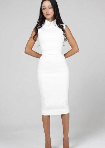9bf80db81fd Чем более зрелая по возрасту дама выбирает коктейльное белое платье