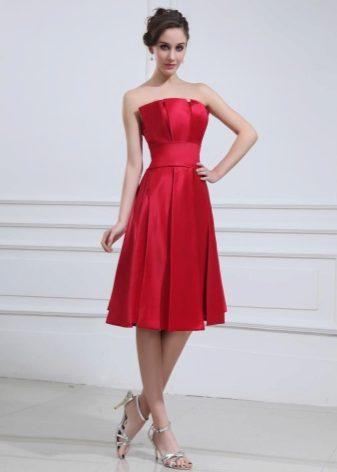 90f05550 Satin kjoler er veldig hyggelige å bære. Men modeller fra atlasen er ikke  anbefalt til damer som vil gjemme figurens fylde. Atlas har en spesiell  glans som ...