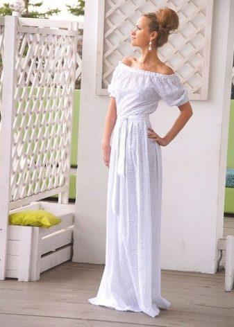 61d8f65ebc7 Белые платья можно надевать везде и в любой ситуации