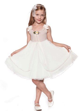 Платье в садик на выпускной 2018 (57 фото): на девочку 6, 7 лет, нарядные, красивые, повседневные, на Новый год