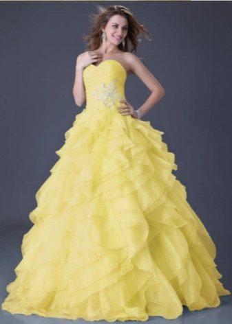 Платье с пышной юбкой желтое
