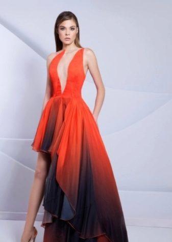 09ba2f8a22e Легкое полупрозрачное платье из шифона со свободными рукавами подойдет  романтичным натурам. Очень изящно на воздушных платьях смотрится  плиссировка