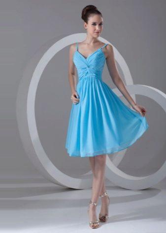 ddcb394e3e5fe32 Коктейльное платье с гордостью примеряет на себя сложные фактуры. Набивные  рисунки и прочие ухищрения на ткани выглядят очень органично и уместно.
