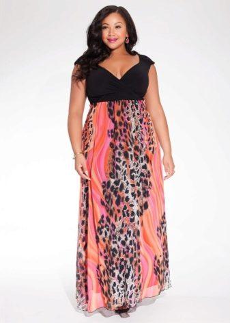 98477c2dfcbe408 Платье с длиной миди – прекрасное решение для полных женщин, ведь оно  способно скрыть неэстетичные складки на коленях и в то же время оголить  ноги.