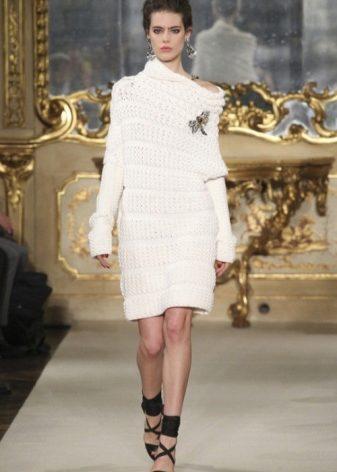 c1743a84d53 В таком платье вы будете неординарны и неподражаемы. Вечернее вязаное платье  — это всегда необычайно женственно. Осталось только выбрать фасон и цвет.