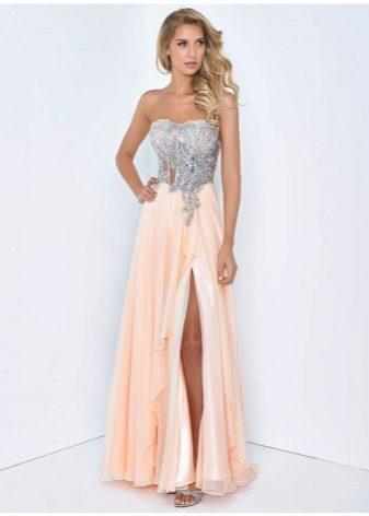 b30cfc92334 Ощущая всю важность подбора эффектного и красивого платья