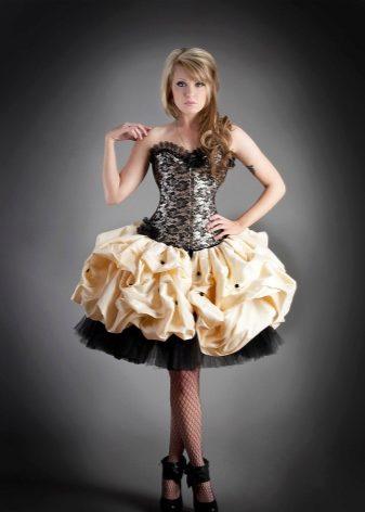 de09e98aa43 Нежно и романтично выглядит платье с корсетом и пышной юбкой