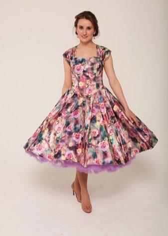 Платье в крупный цветок фото