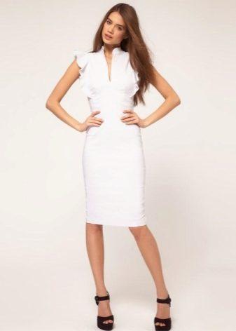972b5e88eb0cb3a Вы можете эффектно создавать новые образы и экспериментировать с ними.  Такое платье пользуется большой популярностью во всем мире.