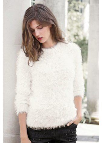 женские свитера из пушистых ниток