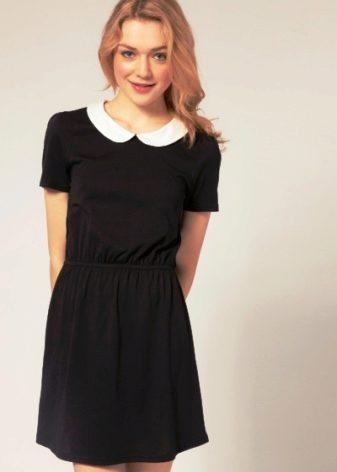 a34a91e915e Все равно тема выбора школьного платья подходящего по стилю и фасону  выходит на первый план. Девочка хочет попробовать модные фасоны