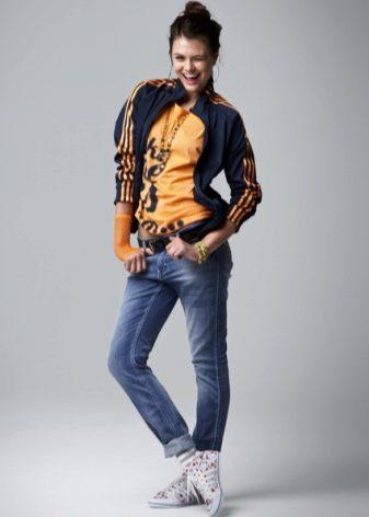 Під джинси підійде будь-яка модель спортивної кофти. Такий тандем створює  приємне враження de6ef8ee2abad