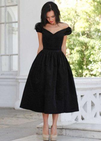 Вечерние платье декольте
