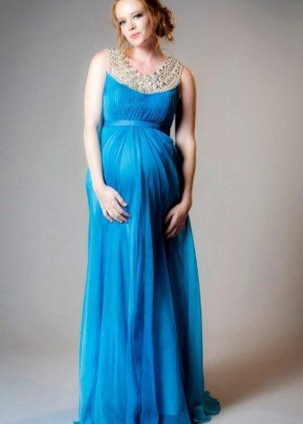 71d96a873bee0ca Для того, чтобы правильно выбрать вечернее платье для беременных,  необходимо четко знать, что именно вы хотите и для какого мероприятия  выбираете платье.