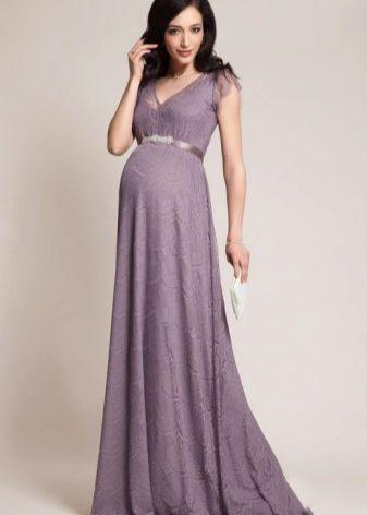 0a20ce31948c4d8 При выборе вечернего платья в первую очередь необходимо обратить внимание  на ткань и подклад. Ткань должна быть натуральной, хорошо пропускать воздух.