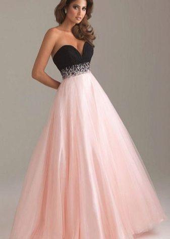 6d51d1578580634 И это верно, ведь только такое платье способно сделать из девушки  принцессу. Пышные платья можно легко дополнить различными аксессуарами, и в  то же время ...