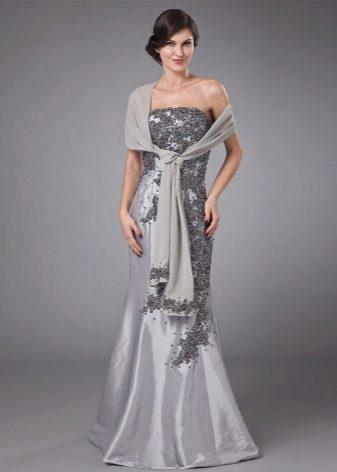 Какое платье подойдет к хвосту