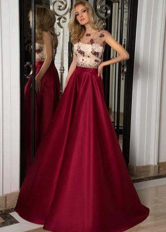 6e6b708ebbe ... но цветовые предпочтения и фасоны выдают принадлежность вечерних платьев  к хитам последнего времени. Открывают коллекцию розовые и телесные ...