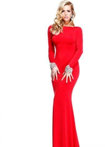 f320d86deac Женщины с фигурой «прямоугольник» могут добавить женственных изгибов при  помощи драпировок и складок на платье. Девушки с фигурой «груша» легко  исправят ...