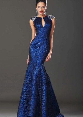 04597e5c6fb Синее платье в пол идеально подойдет смуглым девушкам с темными волосами.  Блондинки будут отлично смотреться в ярких и насыщенных тонах синего цвета.