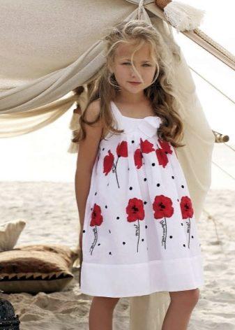 e1b1cfc9d38225c Как мы и говорили, платья для девочек можно разделить на два вида:  ежедневные модели и праздничный вариант.