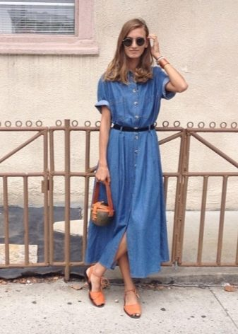 ce98b18512f Самая распространенная длина платья-халата – до колена. Рукава бывают и  длинными