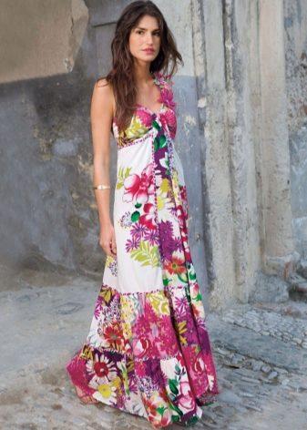 c85d3cea0a4 Сложно перечесть весь список модных моделей летних платьев и сарафанов.  Однако фасоны