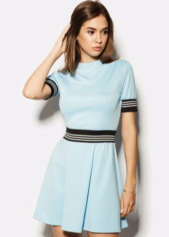 72e453cca99 Нежное светло-голубое платье на бретелях из плиссированной ткани подобно  наряду нимфы или богини. Такие платья шьются длиной в пол со струящейся  юбкой