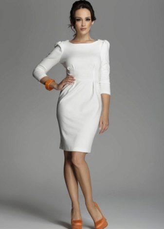 Зрелую в платье имеет на улице в колготках — 7