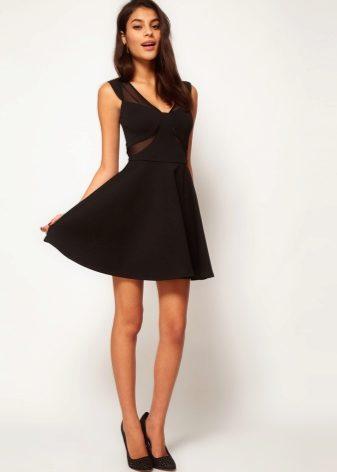 Барышням с прямоугольной фигурой можно выбирать маленькое черное платье  прямого или приталенного кроя. В данном случае будут уместны оборки и рюши  на бедрах ... 3e305173e444e