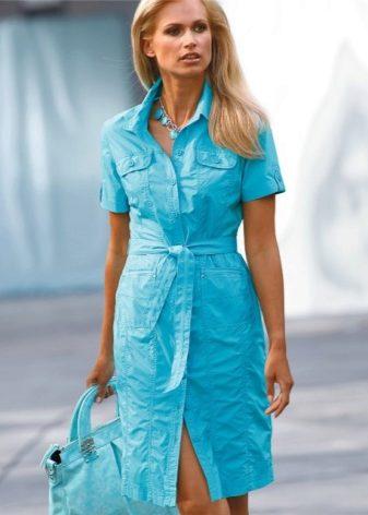4b3ba72c42e Для дам с С-силуэтом советуют подбирать платья с V-образным вырезом