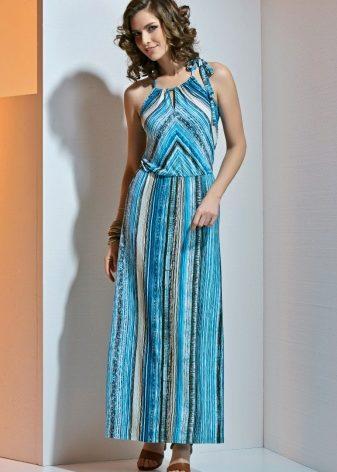 cd95ae2b135 Из штапеля. Еще один вариант легких летних сарафанов – модели из штапеля. Легкая  полупрозрачная юбка придает фигуре женственности.