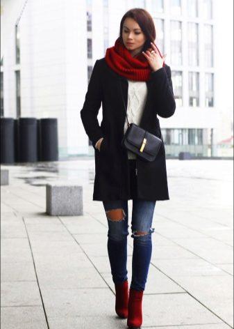 Очень модно когда попа немножко выглядывает из под штанов