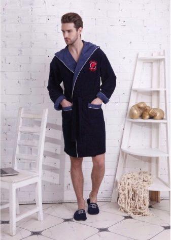 9bdde57d67c01 Может быть мы откроем секрет, но в последнее время очень модными являются  мини-халаты мужской серии, смотрятся они всегда очень импозантно и стильно,  ...