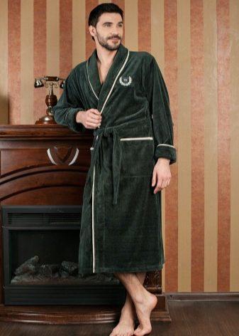 42d6fa967ab7d ... остальных вариантов халатов он не будет пахнуть неприятными запахами. А  тактильная мягкость и нежность плюс красивый дизайн позволят вам приобрести  один ...