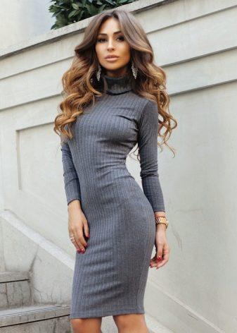 Качок брюнетки в обтягивающих платьях фото высокого качества девчонка