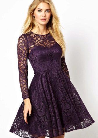 2f6db9cf288 Кружевное платье с пышной юбкой – роскошный вариант. Нежные узоры кружева в  сочетании с женственным фасоном производят ошеломляющий эффект.
