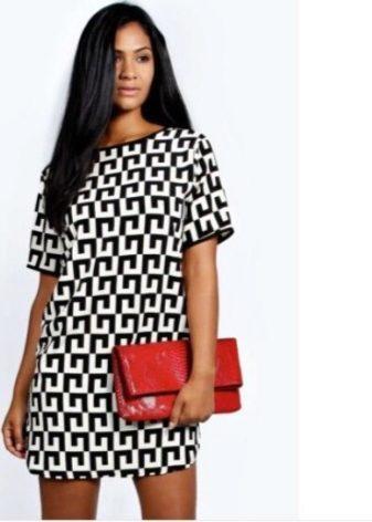 74987c3584d Платье из плотной ткани с коротким рукавом - отличный вариант на прохладное  время