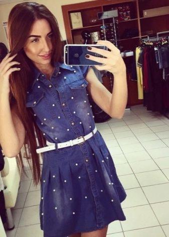 Платье джинсовое с жемчугом