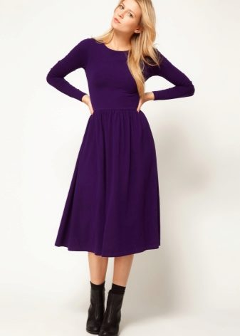 Маленькое платье сиреневое