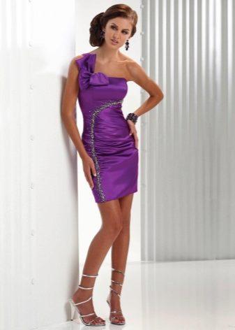 6688e23a9ae Нежное и воздушное короткое фиолетовое платье создано специально для  кокетки. Оно подчёркивает все достоинства стройной фигуры и в зависимости  от фасона ...
