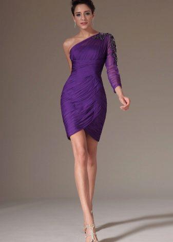 Фиолетовое  на выпускной короткое