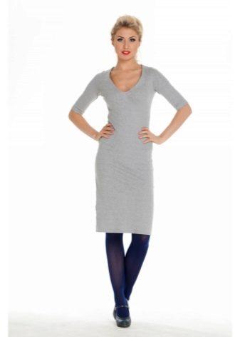 93a72590a6be Серое трикотажное платье подчеркивает женственность, миловидность и  нежность, эта ткань красиво ложится и немного облегает силуэт.