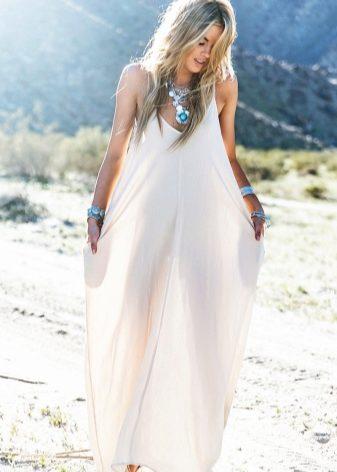 Белый летний сарафан (31 фото): с кружевом, с чем носить