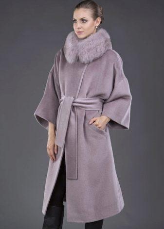 257c2e3d8a2 Зимнее кашемировое пальто с меховым воротником (34 фото)